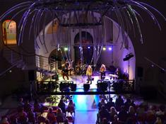 30 ro(c)ků bez opony – zahajovací koncert