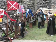 Oživlý hrad, aneb život ve středověku na Bezdězu